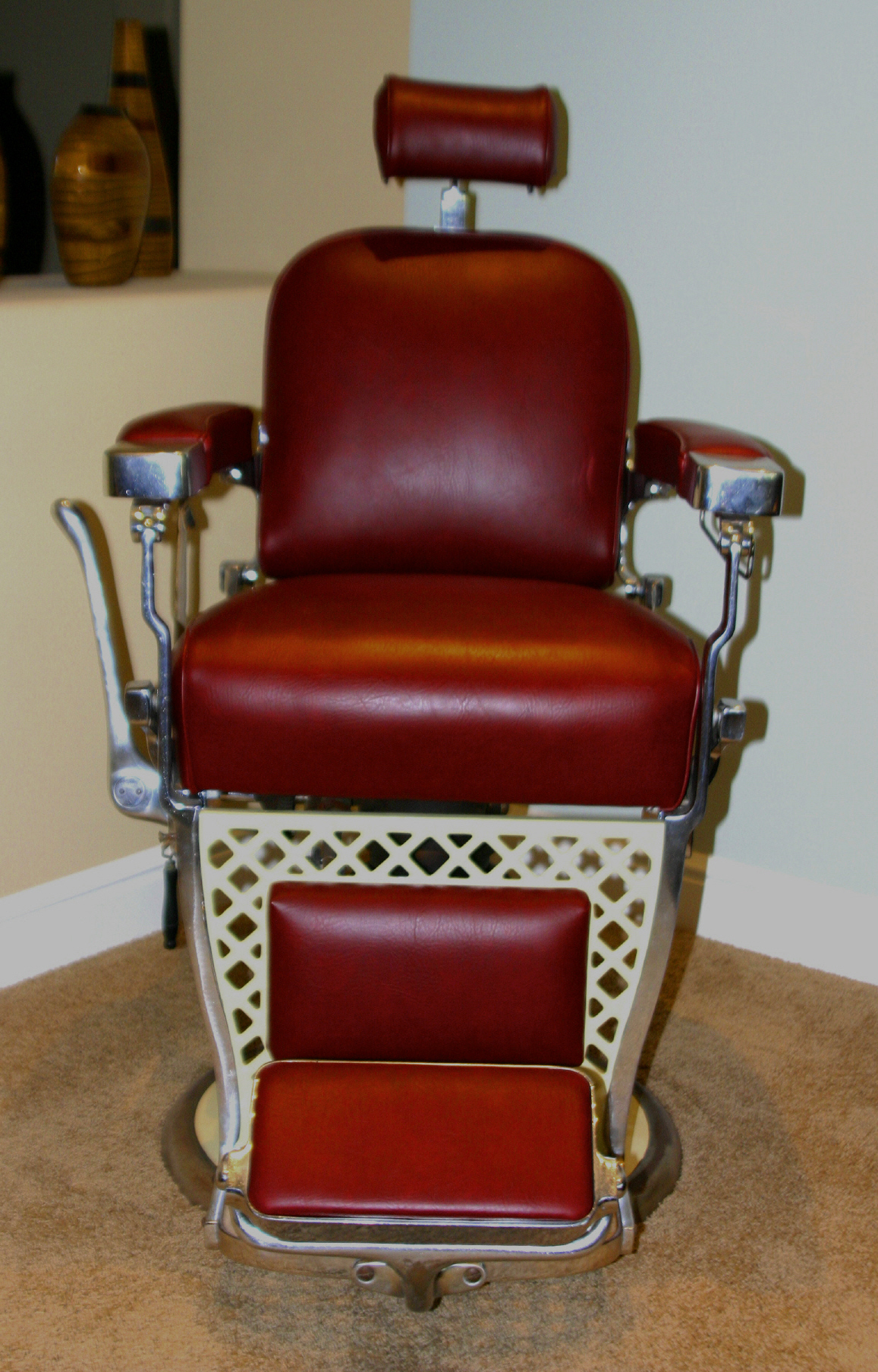Vintage barbers chair for 1800 salon chicago
